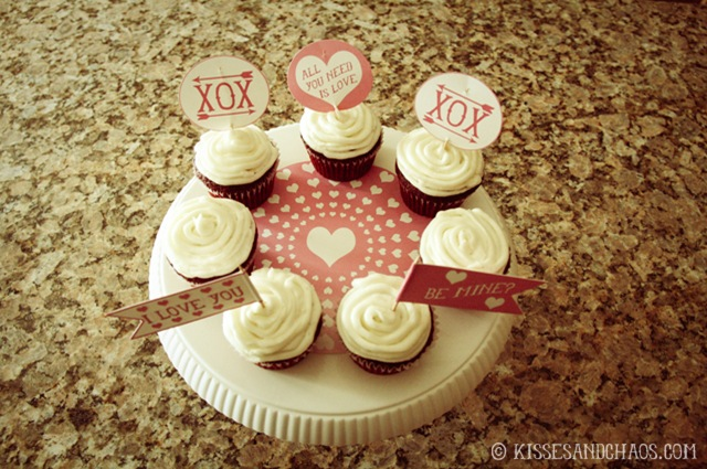 Free Valentine's Day Straw & Cupcake Flags