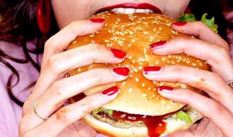Eating-a-burger-007