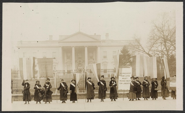 National_Womens_Party_picketing_the_White_House