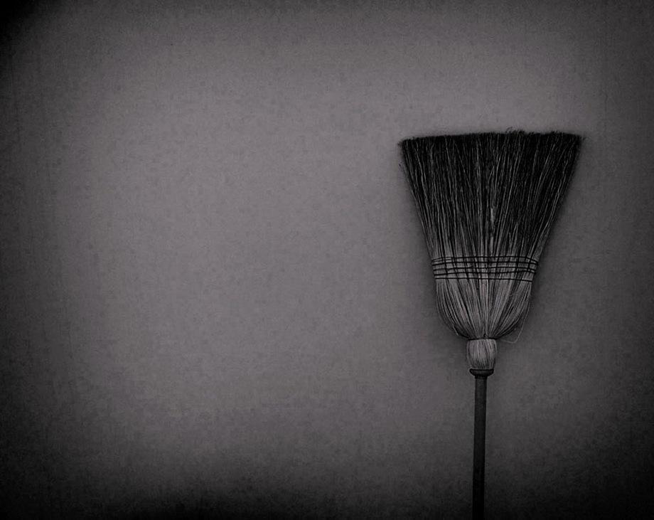 fly-witch-fly-by-daniel-horacio-agostini