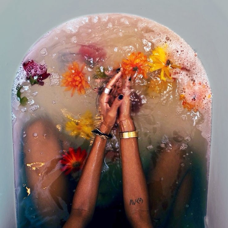 flower-bath-cleansing